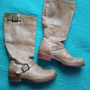 Light Brown FRYE BOOTS Ladies 8 Tan